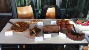 Kuchenbasar - Auswahl an gespendeten Kuchen